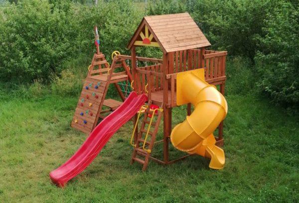 Детская площадка Выше Всех Победа со спиральной горкой